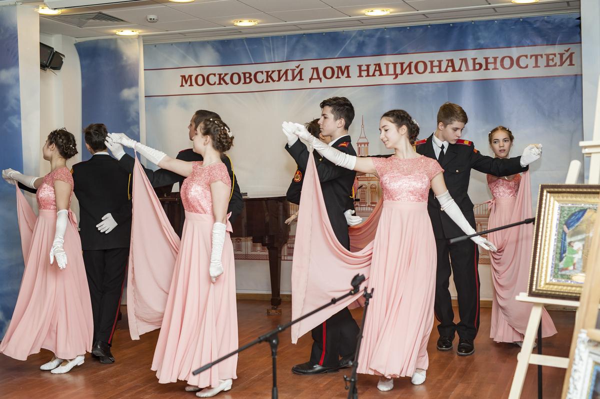 mdn.ru/wp-content/gallery/tseremoniya-nagrazhdeniya-pobeditelej-vii-mezhregionalnogo-tvorcheskogo-festivalya-serebro-rozhdestva/DSC_8720.jpg