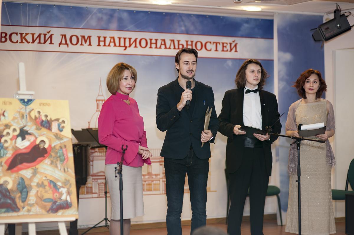 mdn.ru/wp-content/gallery/tseremoniya-nagrazhdeniya-pobeditelej-vii-mezhregionalnogo-tvorcheskogo-festivalya-serebro-rozhdestva/DSC_8768.jpg