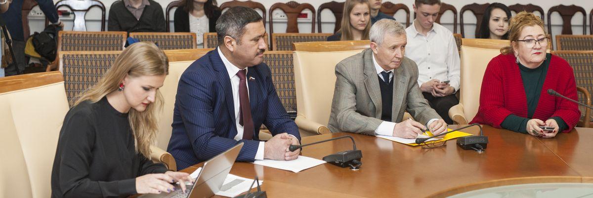 Общество дружбы и сотрудничества России с Узбекистаном. Круглый стол «Творчество   А. Навои и значение его творчества в современных российско-узбекистанских отношениях»