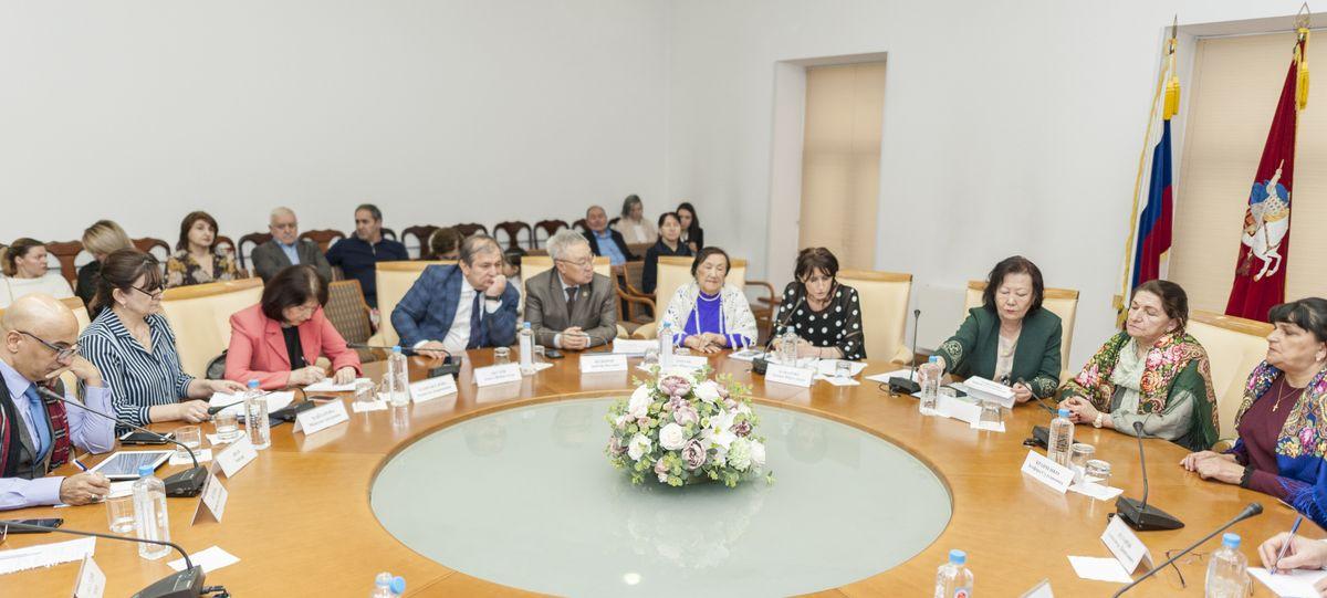 РОО содействия сохранению этнокультурных традиций женщин «Форум женщин Евразии». Вечер памяти «Если б не было войны»