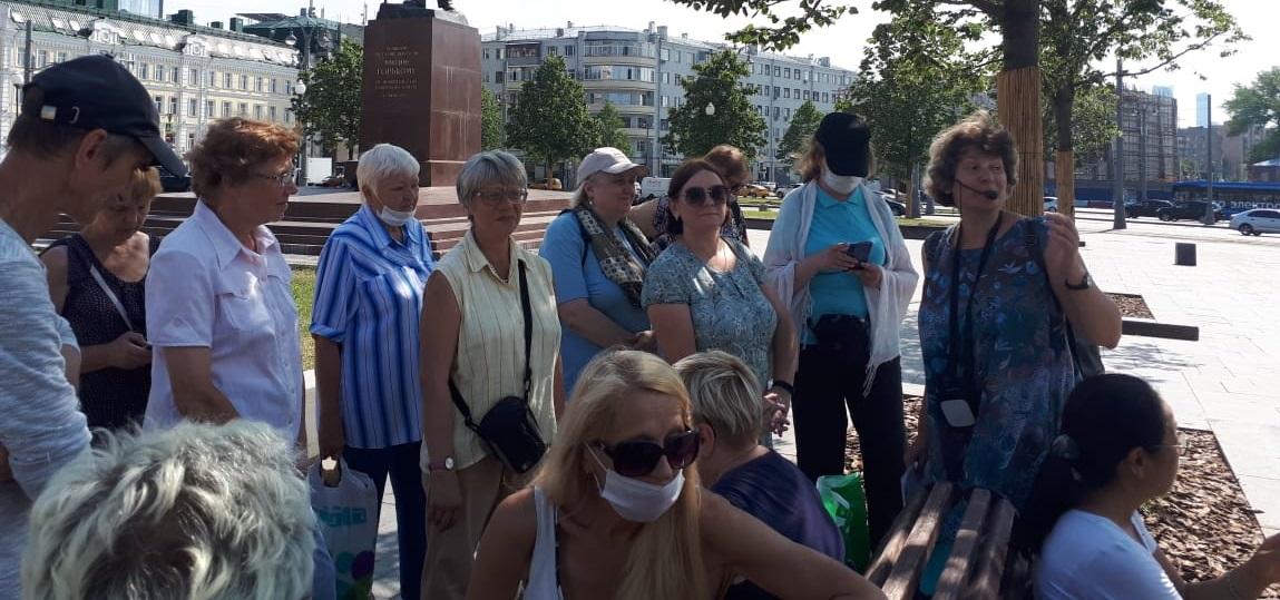 Пешеходная экскурсия «Тихие Миуссы — жители района разных национальностей» в рамках проекта «Прогулки по многонациональной Москве»